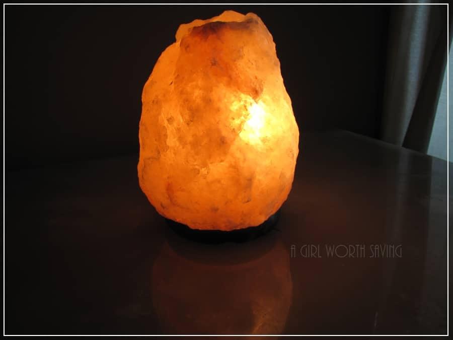 Himalayan Salt Shop Crystal Lamp Review & Giveaway