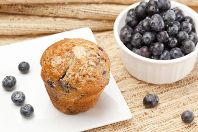 paleo blueberry muffin #glutenfree #paleo