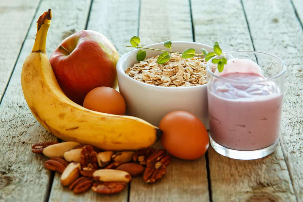 Breakfast is the most important meal of the day, but not everyone has the time to prepare one. People will usually rush in the morning in order to get to work or school on time. If you're one of them, you don't have to worry anymore. There are healthy breakfasts that you can enjoy even if your mornings are busy. Here are some ideas to try out: