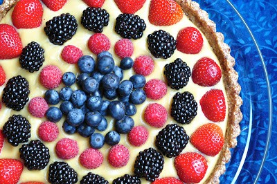 Raw Berry Tart with a Coconut Pastry Cream (vegan, gluten-free)