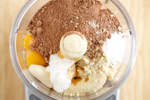 Fudgy Chocolate Banana Cake - GI 365 1