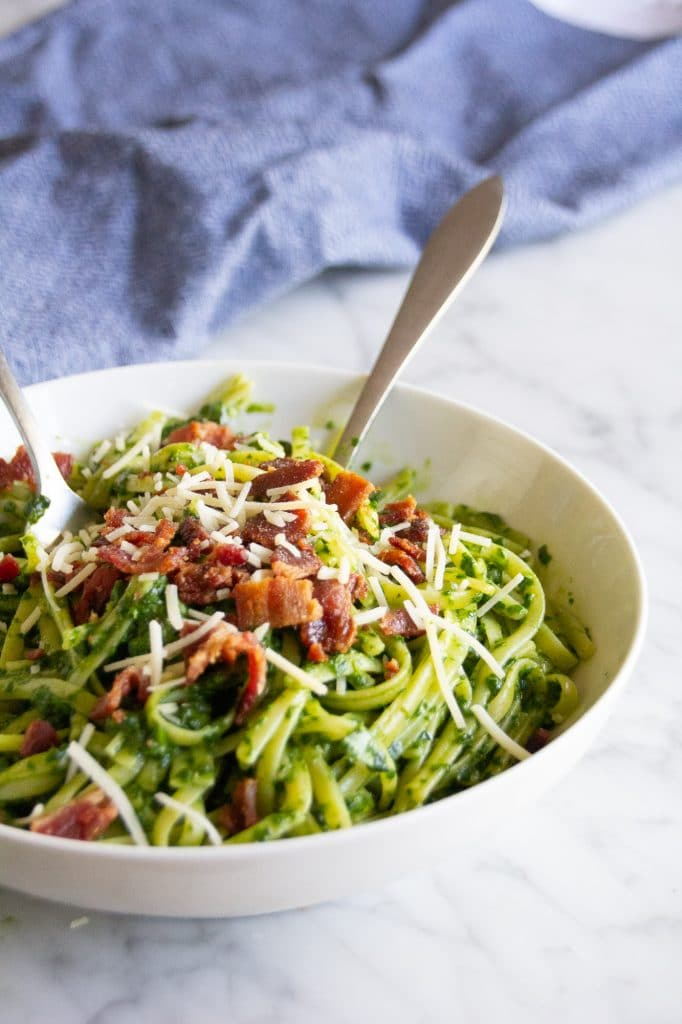 This easy spinach pesto adds matcha powder as a special touch! Packed with savoy garlic, matcha and bone broth, this pesto recipe will quickly become a family favorite.