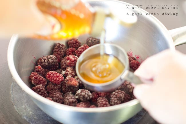 how to make low sugar freezer jam with gelatin
