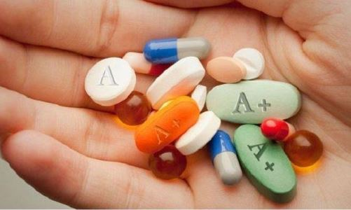 By definition, smart drugs are safe brain-boosting substances with few, if any, side effects, and extremely low toxicity. Even the term itself presupposes safe use and an emphasis on the benefits. There are, however, some supplements, which are classified as nootropics without meeting the criteria for safe cognitive enhancement. They are harsh on the body, contain questionable extra ingredients and are often low in quality. That is why their presence spurs a lot of concerns for the safety and effectiveness of these drugs.