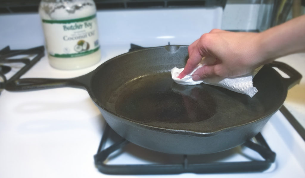 how to clean cast iron-5