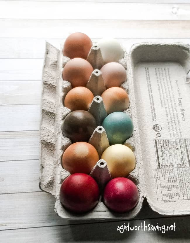 using vegetables to dye eggs