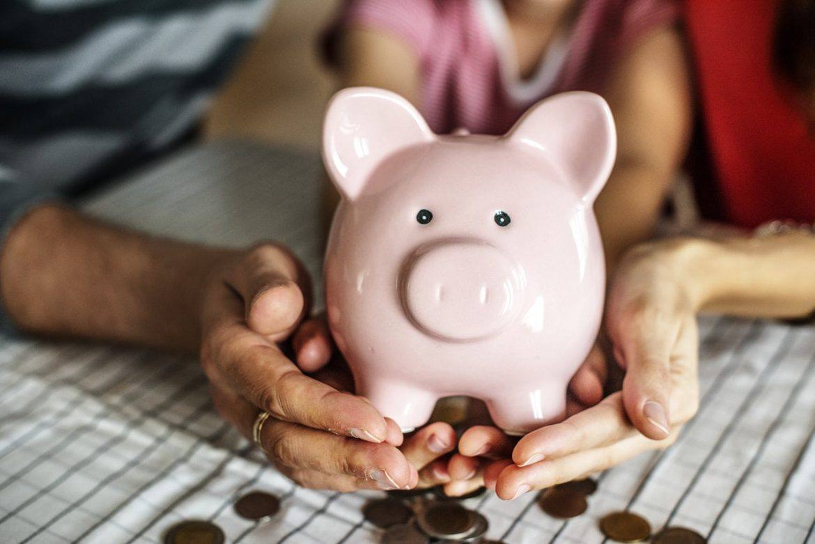 Three Tips That Can Help You Build Your Savings While Becoming Debt Free