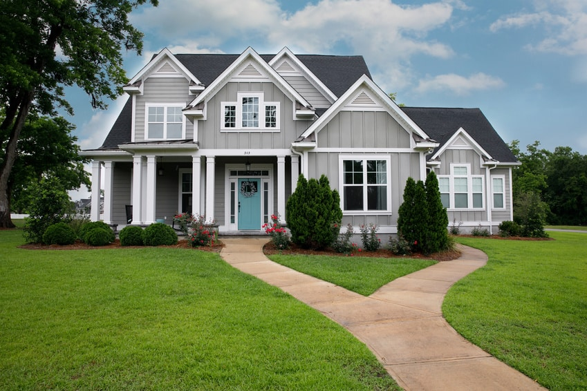It can be easy to put off home improvement and beautification projects, especially if you're busy with spring cleaning and running the vacuum cleaner over your floors over and over again. But with so many home beautification projects having an excellent ROI, why not just add them to your spring cleaning checklist?
